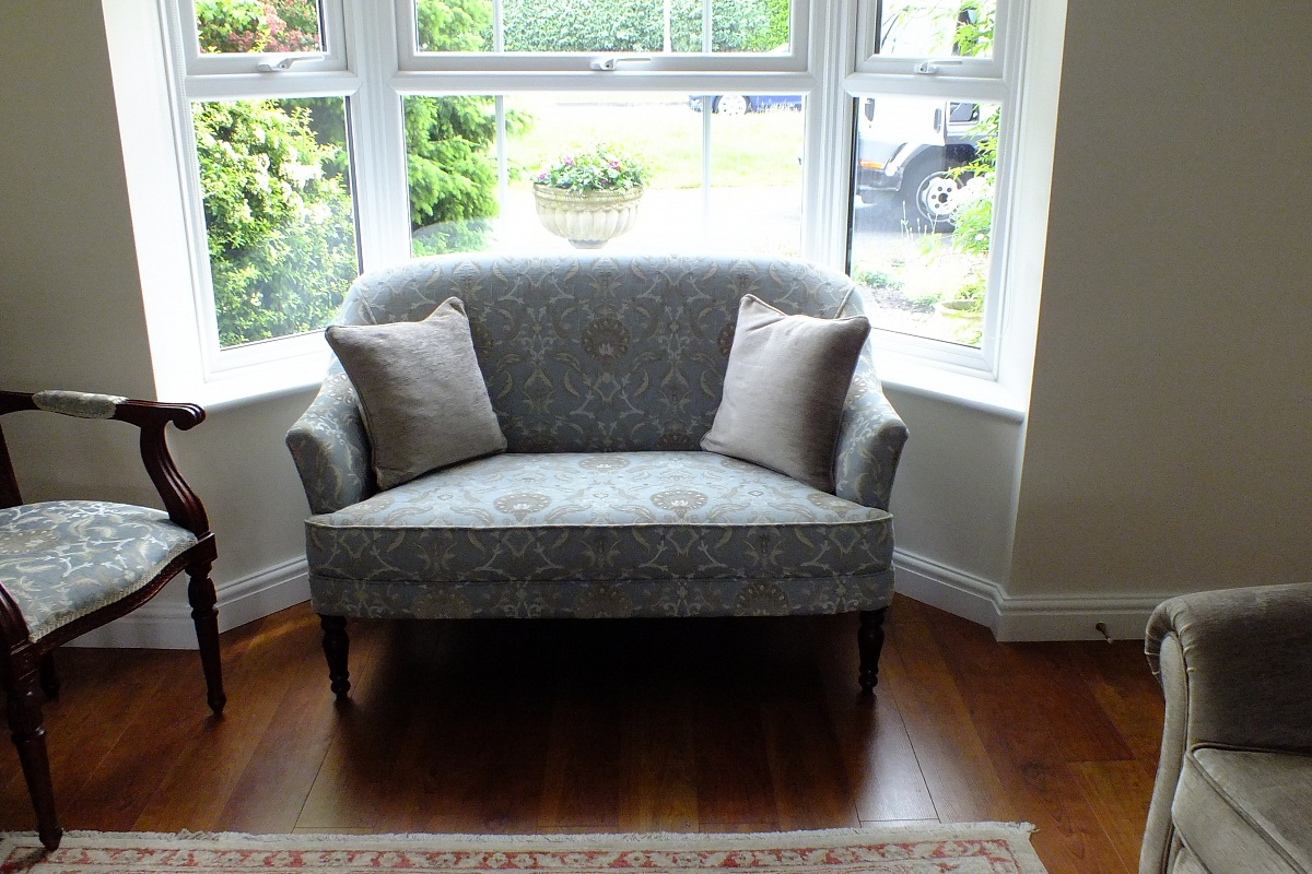 We Specialize In Recovering And Reupholstering Duresta And Steeds And Other  Well Known Sofas And Chairs.